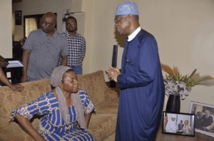 Photos: Lai Mohammed pays condolence visit to family of state house Dir. of Information, late Justin Abuah